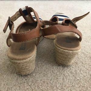 White Mountain Shoes - White Mountain Navy Striped Open Toe Wedges (7)